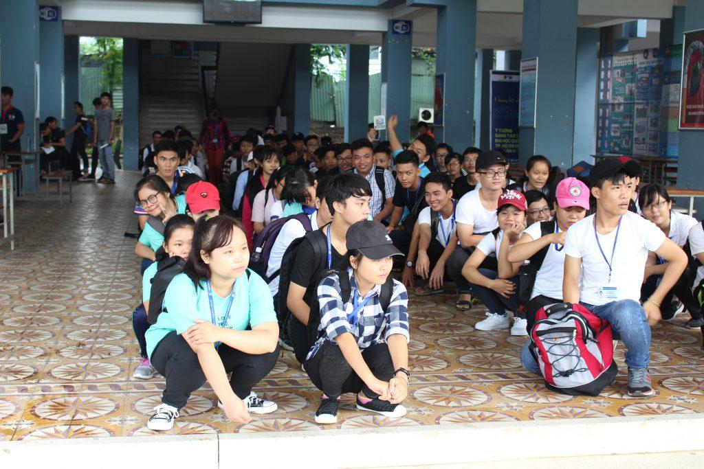 Ngay từ sáng sớm, các đội chơi đã có mặt đầy đủ để sẵn sàng cho một ngày dài cùng VNU Tour